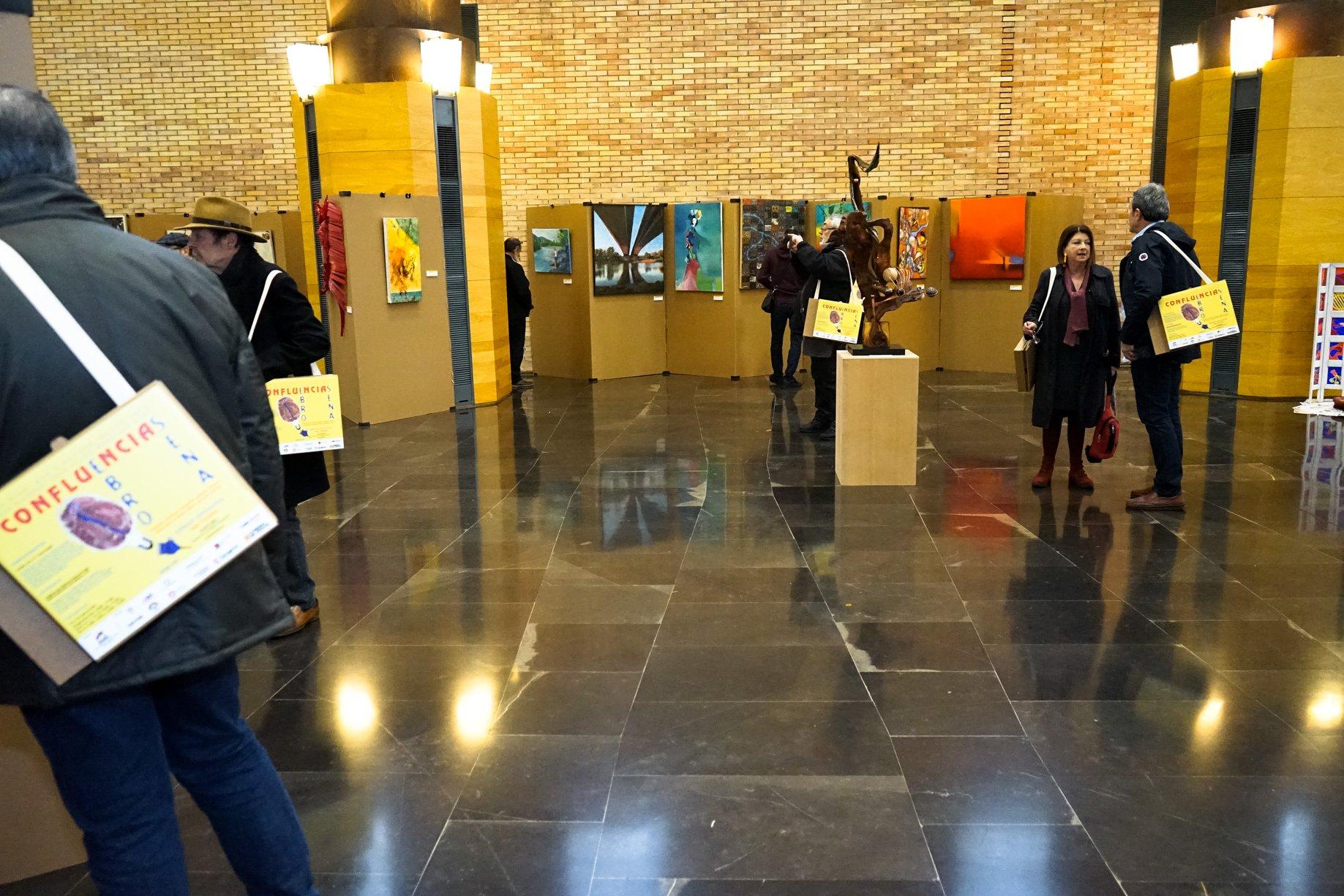 """Nuestra Carpeta Silla en """"CONFLUENCIAS, Ebro-Sena"""" en la Sala Hipóstila, Auditorio de Zaragoza."""